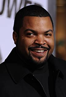 """""""Ice Cube Black Contract To America Attacked by Democrats"""""""